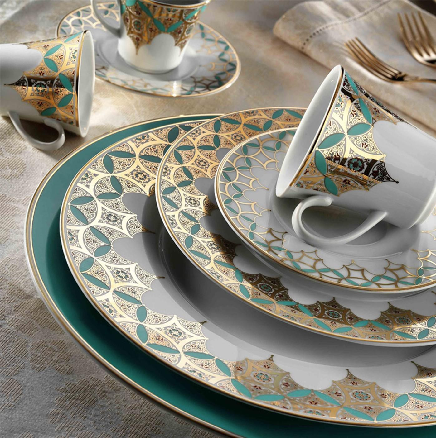 Kutahya Porselen IRIS 97 Pieces 8839 Patterned Dinnerware Set