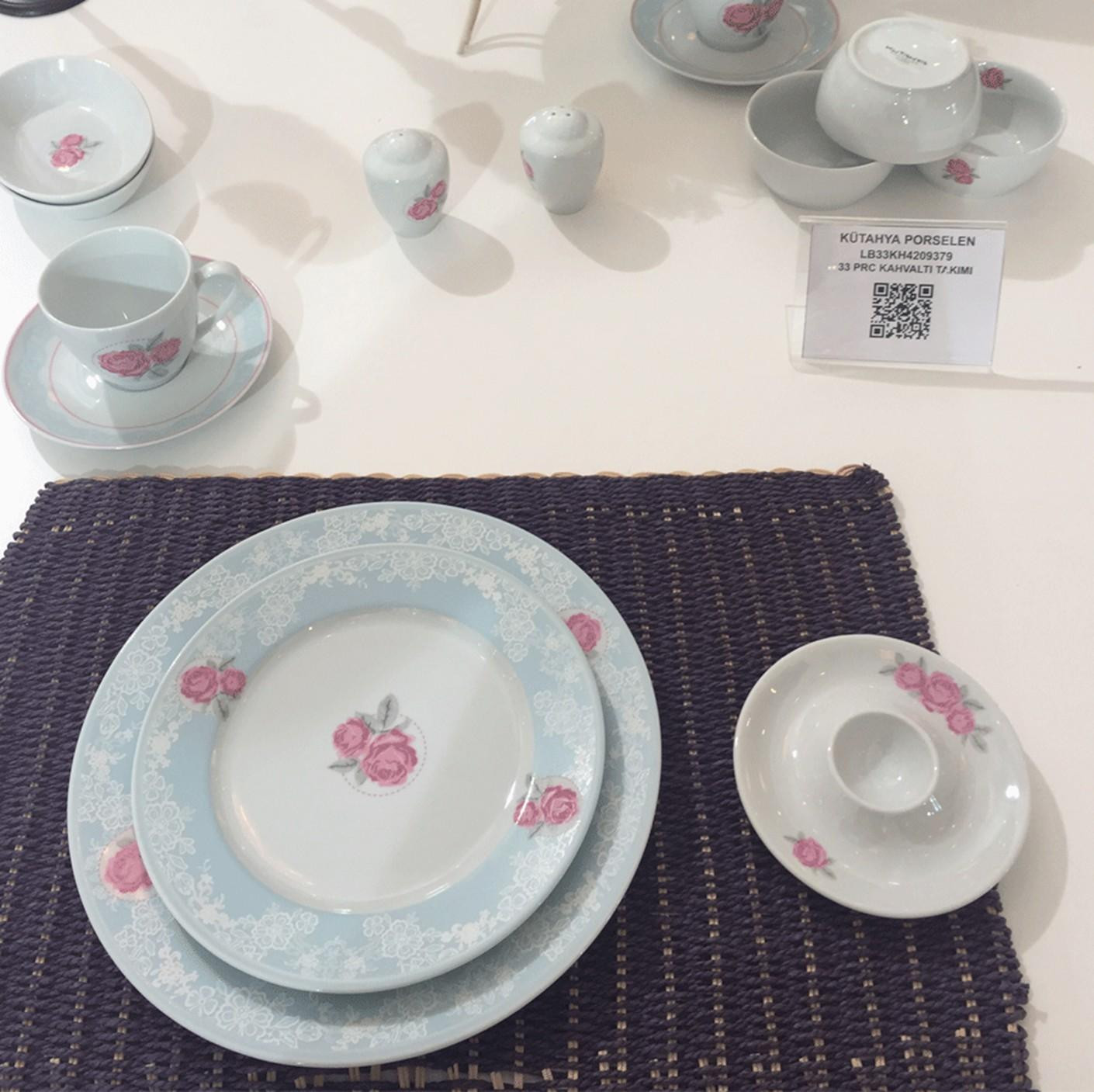 Kutahya Porselen 33 Pieces 9379 Patterned Dinnerware Set