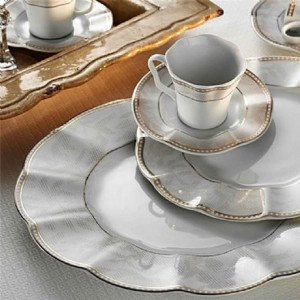 Kutahya Porselen NIL 83 Pieces 62742 Patterned Dinnerware Set