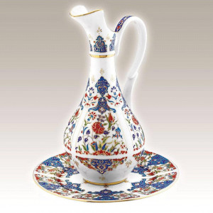 Kutahya Porselen PL02ST01415 Hand Made Antique Carafe