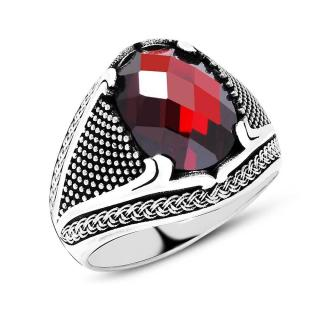 خاتم من الفضة و حجر الزيركون الأحمر