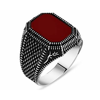 خاتم من الفضة و حجر العقيق الأحمر